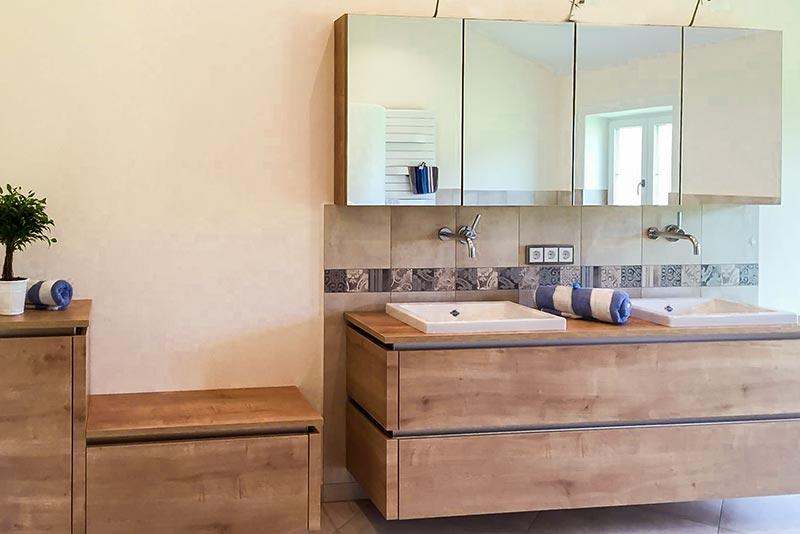 badm bel hochwertig reuniecollegenoetsele. Black Bedroom Furniture Sets. Home Design Ideas