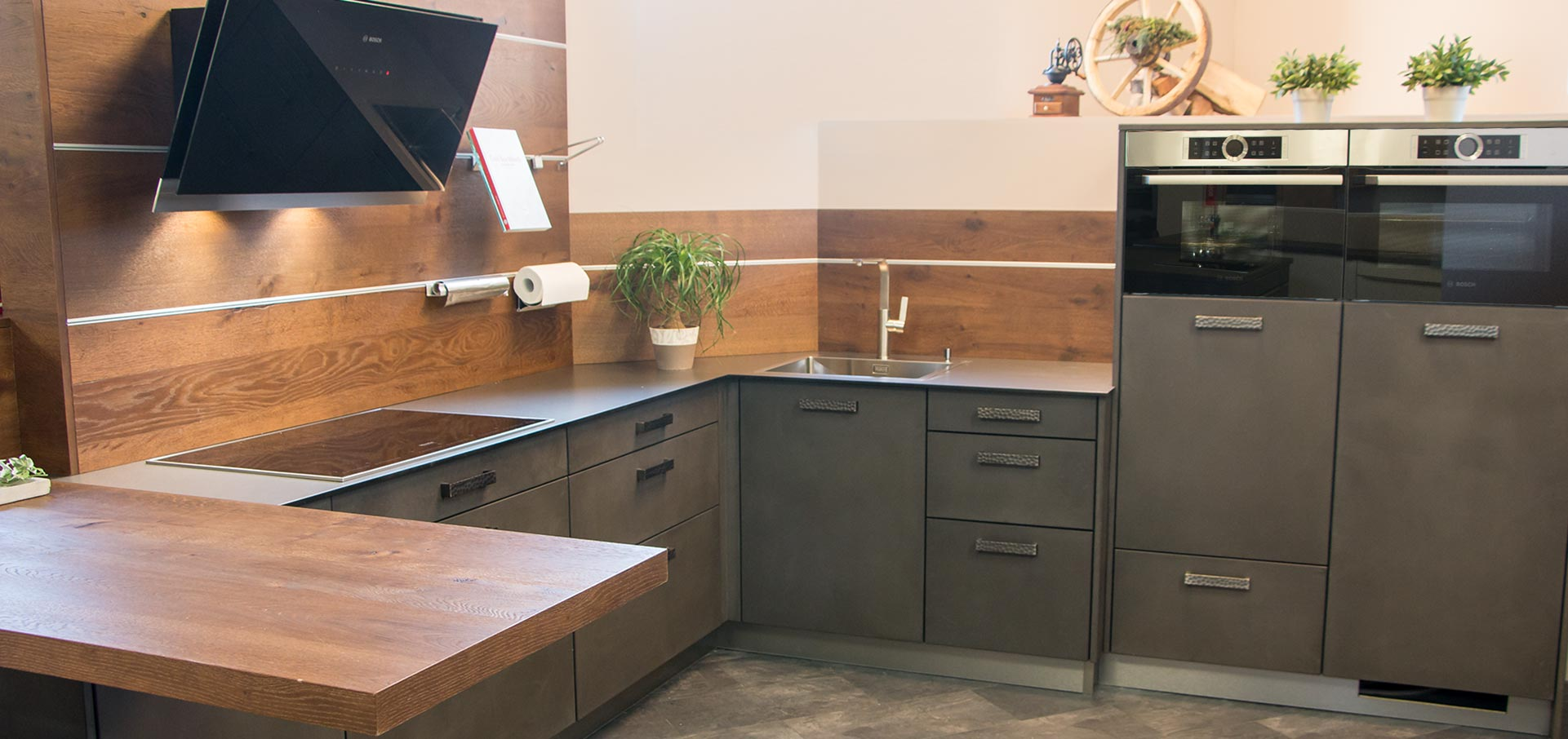 ausstellung. Black Bedroom Furniture Sets. Home Design Ideas